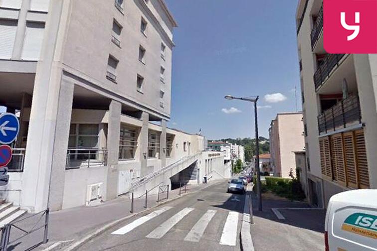 Parking Groupe scolaire Jean de la Fontaine - Rue de la Commune de Paris - Oullins 36 rue de la Commune de Paris