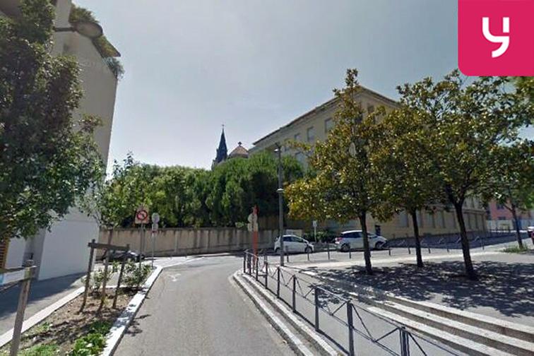 Parking Groupe scolaire Jean de la Fontaine - Rue de la Commune de Paris - Oullins garage