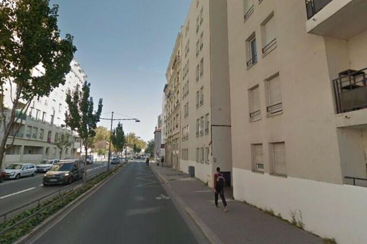 Parking Parc Edouard Glissant - Avenue Roger Salengro - Villeurbanne Villeurbanne