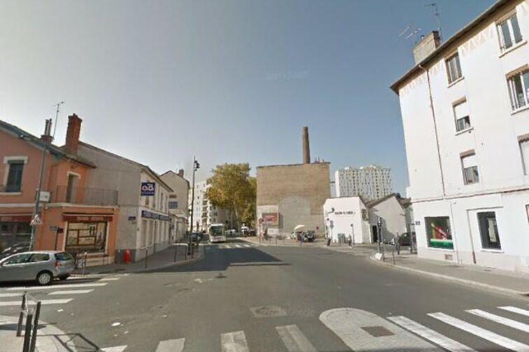 location parking Parc Edouard Glissant - Avenue Roger Salengro - Villeurbanne