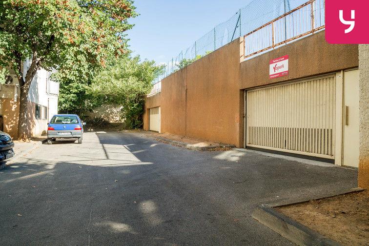 Parking Ancien Cimetière - Allée Gerda Taro - Villeurbanne location mensuelle
