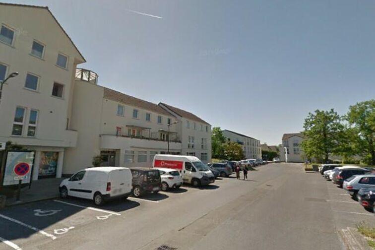 Parking Collègiale Notre-Dame - 12 - 14 Juillet - Achères (aérien) Achères