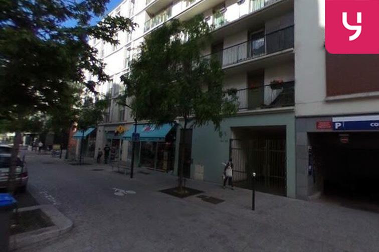 Parking Institut Notre Dame - Avenue du Général Leclerc - Bourg-La-Reine 24/24 7/7