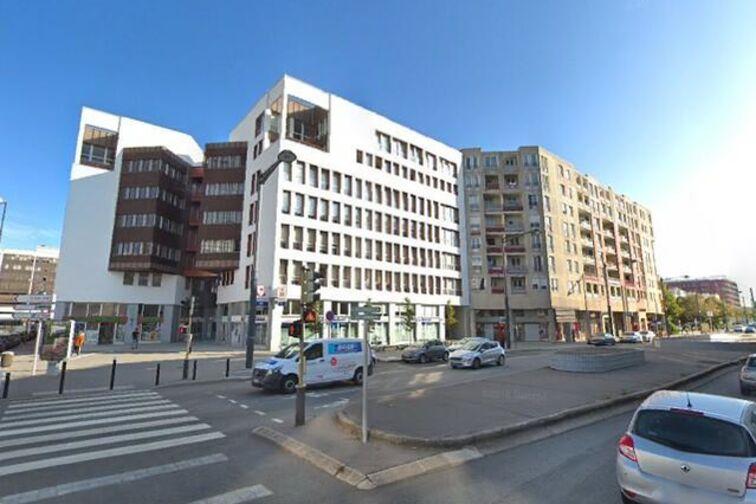 Parking Place Georges Pompidou - Montigny-le-Bretonneux à louer
