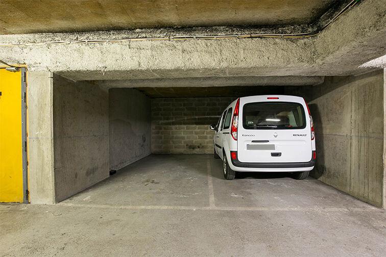 Parking Avenue Fontainebleau - Métro Le Kremlin-Bicêtre location