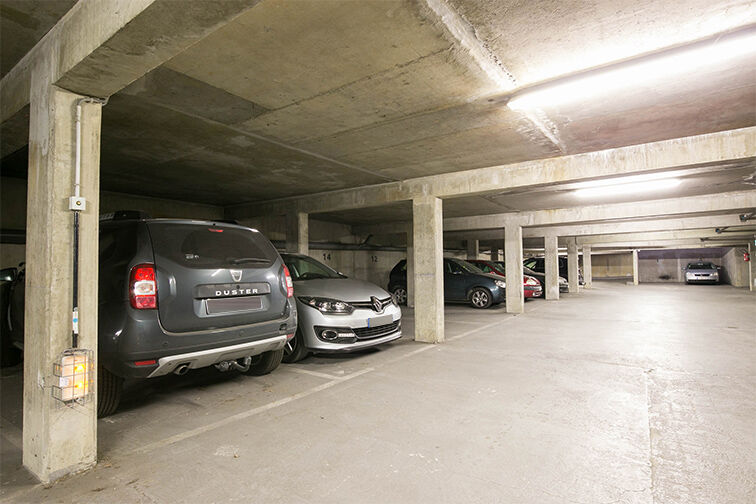 Parking Avenue de Fontainebleau - Le Kremlin-Bicêtre sécurisé