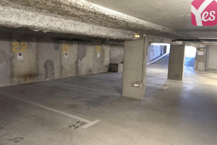 Parking à louer cours de la République à Villeurbanne