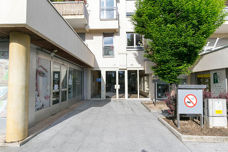 Parking Centre-ville - Rue Pottier - Le Chesnay avis