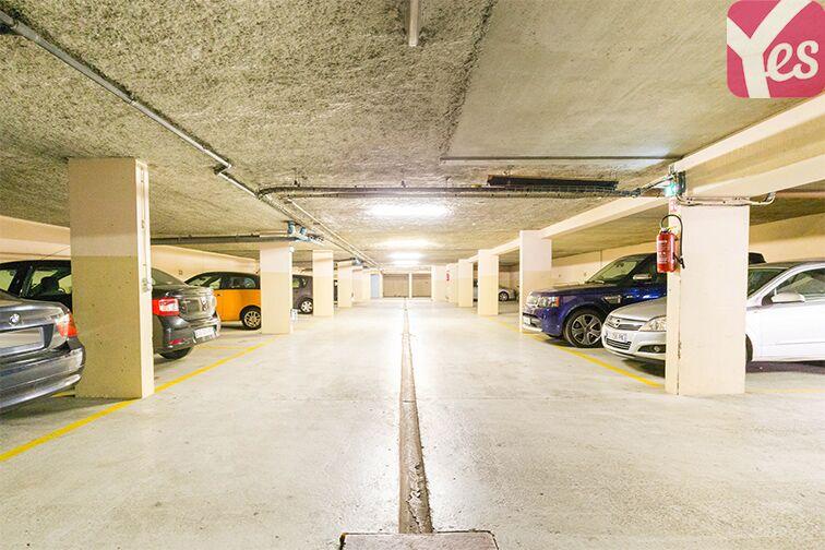 Parking Gare RER Saint-Quentin-En-Yvelines - Guyancourt garage