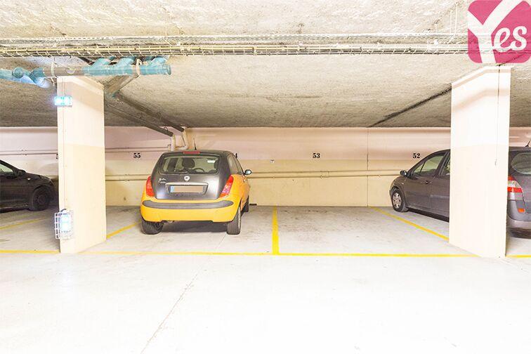 Parking Gare RER Saint-Quentin-En-Yvelines - Guyancourt en location