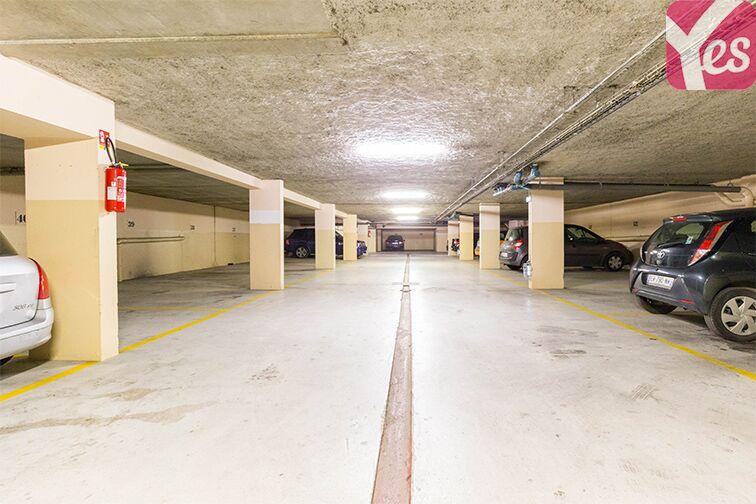 Parking Gare RER Saint-Quentin-En-Yvelines - Guyancourt location