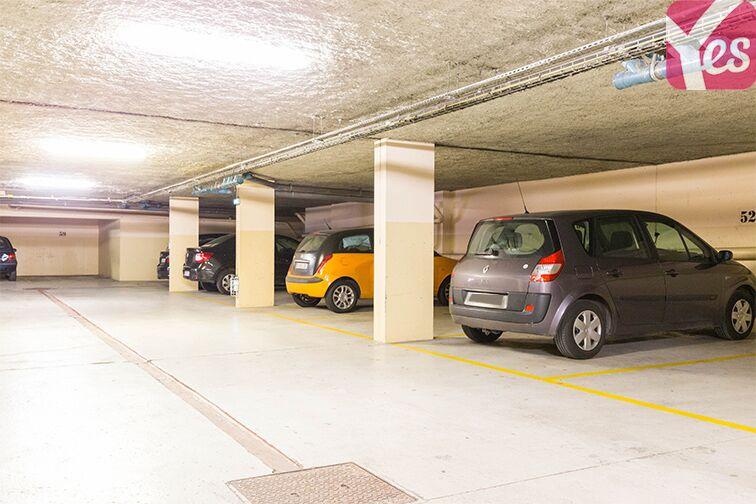 Parking Gare RER Saint-Quentin-En-Yvelines - Guyancourt 1 rue Edgar Degas