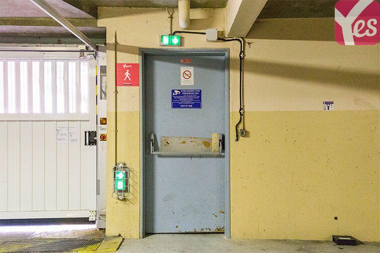 Parking Gare RER Saint-Quentin-En-Yvelines - Guyancourt souterrain