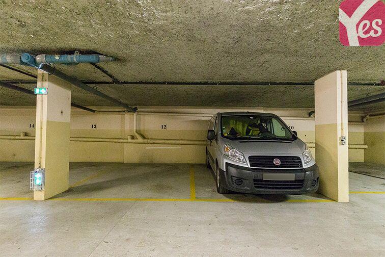 Parking Gare RER Saint-Quentin-En-Yvelines - Guyancourt sécurisé