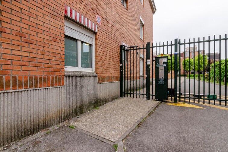 Parking Rue des Métiers - Lille Fives sécurisé