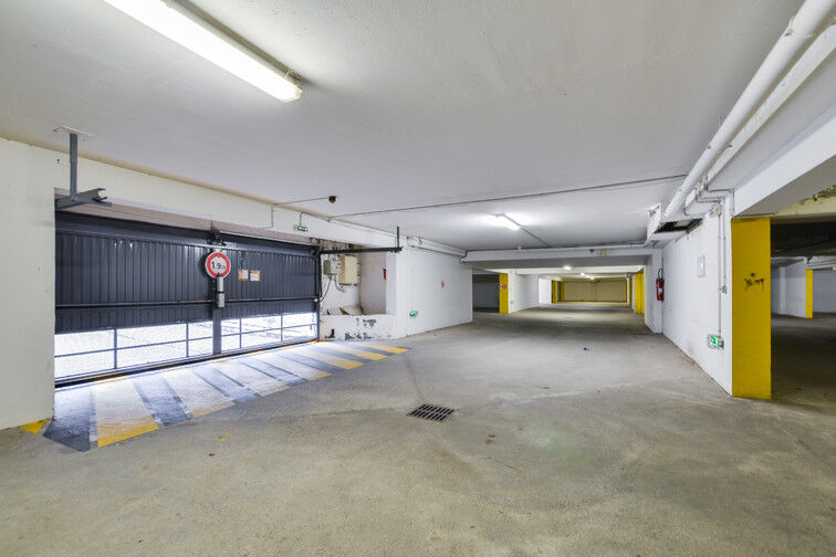 Parking Gare de Seclin - Place Paul Eluard à louer