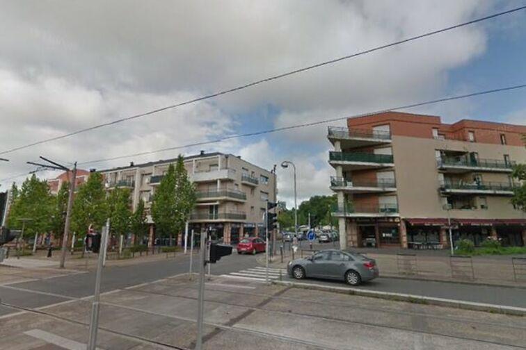Parking Université - Esplanade - Orléans (box aérien) garage