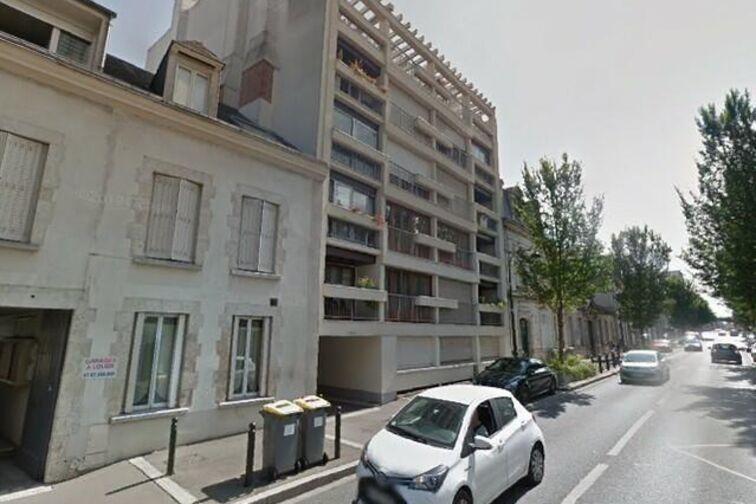 Parking L'Astrolabe - Faubourg Saint Jean - Orléans (box aérien) en location