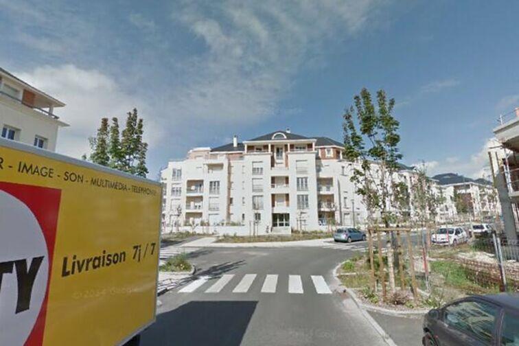 Parking Barrière Saint Marc - Sarment - Orléans (aérien) location mensuelle