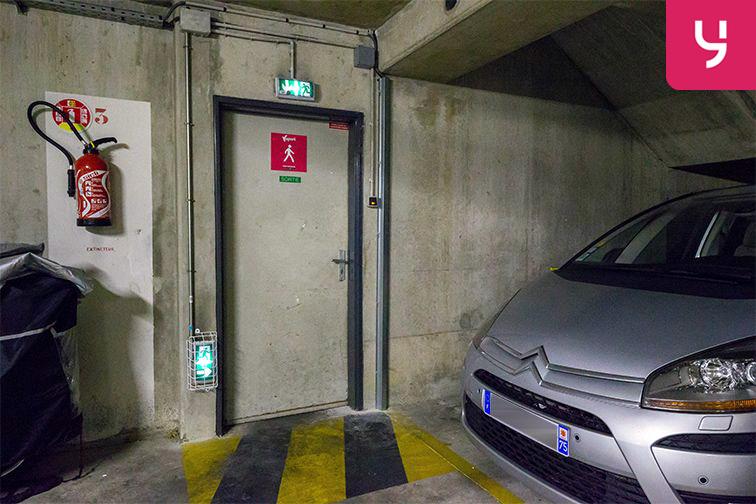 Parking Servan - Paris (place moto) gardien