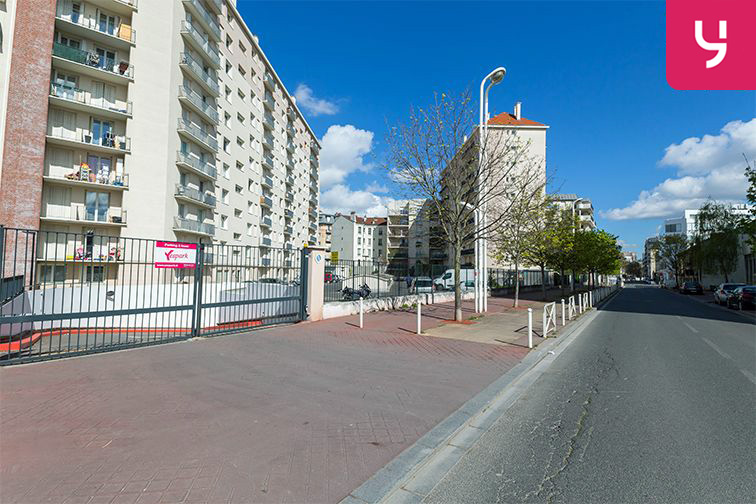 Parking Pierre Brossolette - Montrouge (place moto) 24/24 7/7