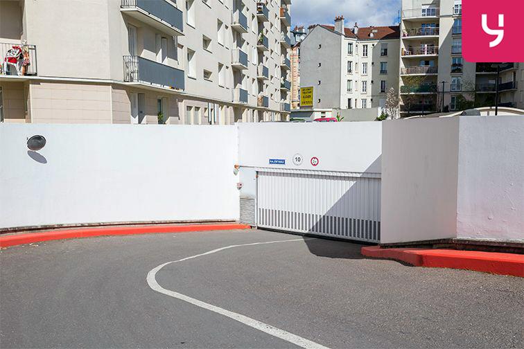 Parking Pierre Brossolette - Montrouge (place moto) caméra