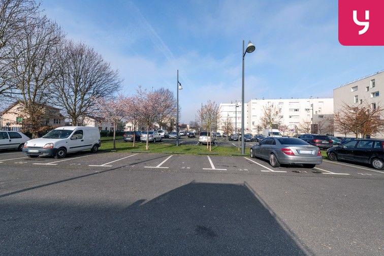 Parking Docteur Albert Calmette - Le Blanc-Mesnil - (places PMR) 93150