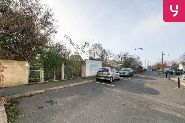 Parking Docteur Albert Calmette - Le Blanc-Mesnil - (places PMR) 5 rue Charcot