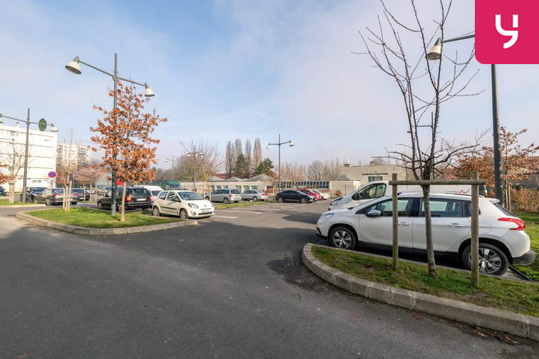Parking Docteur Albert Calmette - Le Blanc-Mesnil - (places PMR) 24/24 7/7