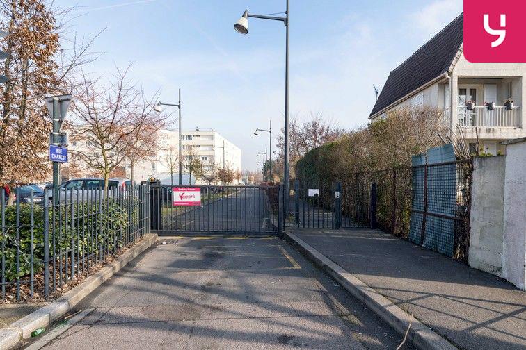 Parking Docteur Albert Calmette - Le Blanc-Mesnil - (places PMR) souterrain