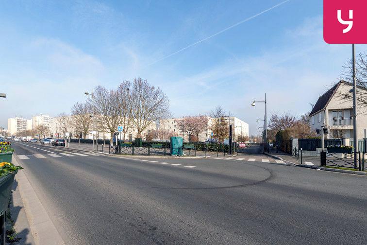 Parking Docteur Albert Calmette - Le Blanc-Mesnil - (places PMR) location mensuelle