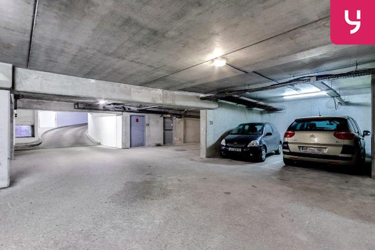 Parking Cour Saint-Emilion souterrain