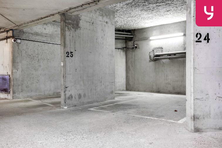 Parking Cour Saint-Emilion pas cher