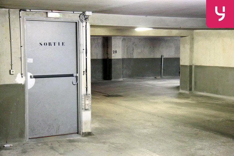 Parking Cour Saint-Emilion box