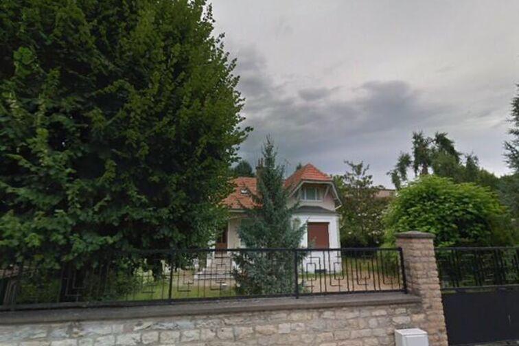 Location parking Monastère Royal de Brou - Tony Ferret - Bourg-en-Bresse - (place moto)