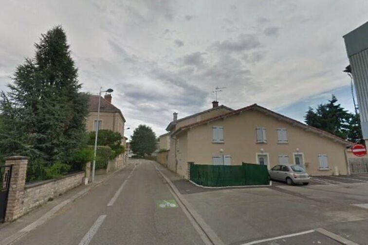 Parking Monastère Royal de Brou - Tony Ferret - Bourg-en-Bresse - (place moto) avis