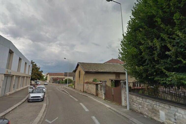 Parking Monastère Royal de Brou - Tony Ferret - Bourg-en-Bresse - (place moto) sécurisé