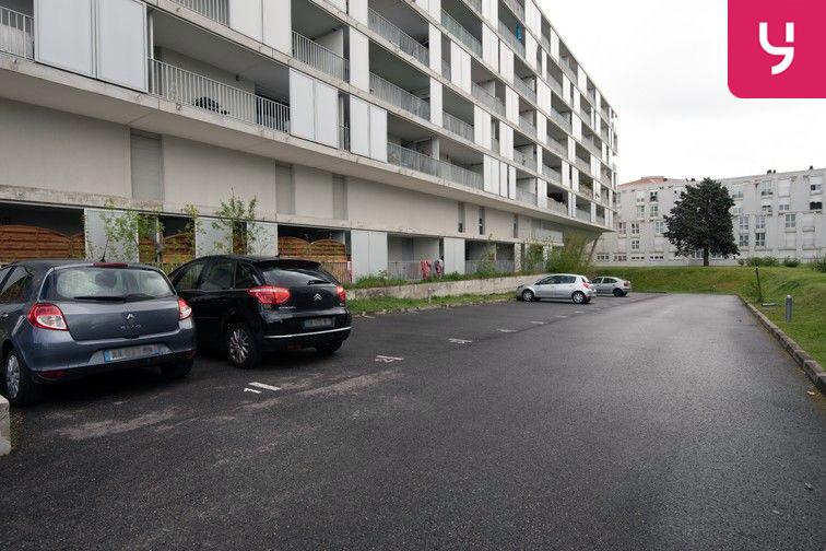 Parking Avenue Grande Bretagne - Toulouse (aérien) 24/24 7/7