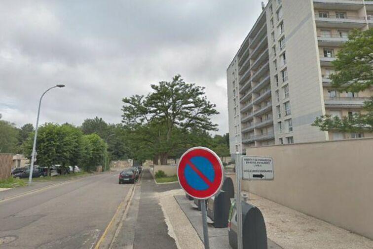 Parking Rue Du Champ Gaillard - Poissy box