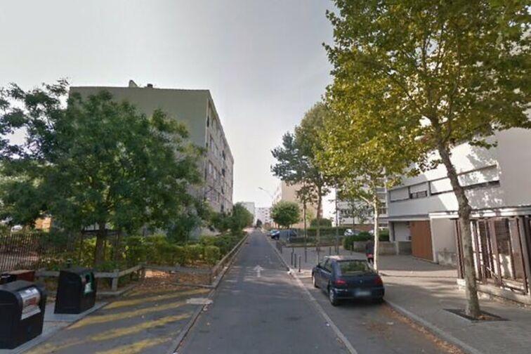 Parking Mairie Eric Joseph - Montargis sécurisé