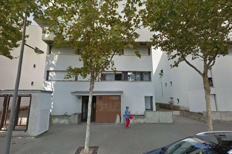 location parking Mairie Eric Joseph - Montargis