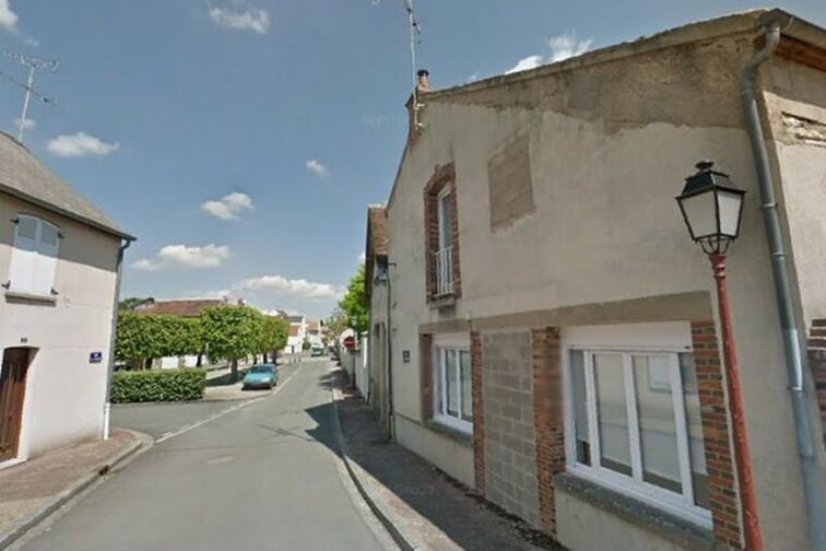 Parking Mairie - rue de l'Eglise - Dordives box