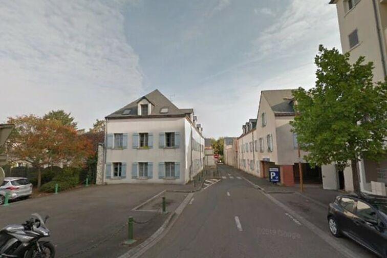 Parking Ecole Pasteur - Gérard Bouché - Montargis gardien