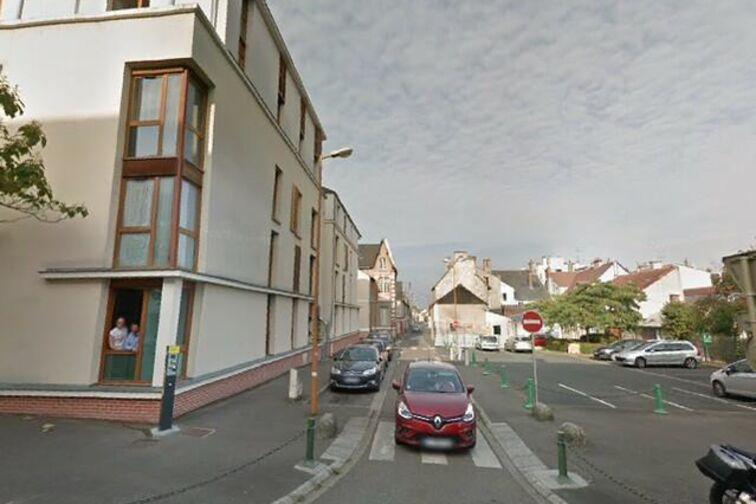 location parking Ecole Pasteur - Gérard Bouché - Montargis