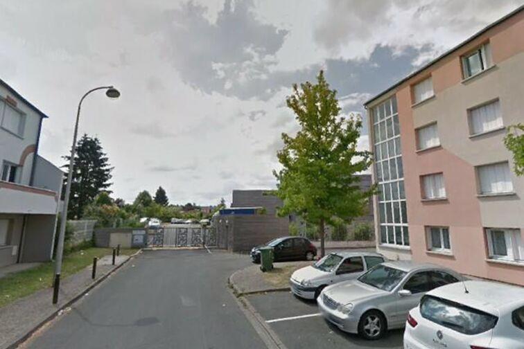Parking Place du Champ Chardon - Orléans bis location mensuelle