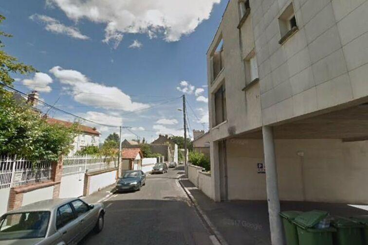 Parking Gymnase Gaston Couté - Pellerine - Orléans location mensuelle