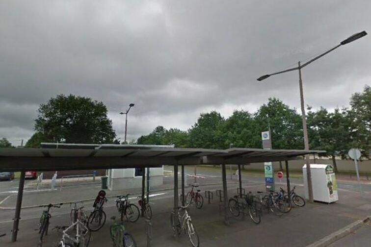 location parking Station Victor Hugo - Geneviève Perrier - Olivet