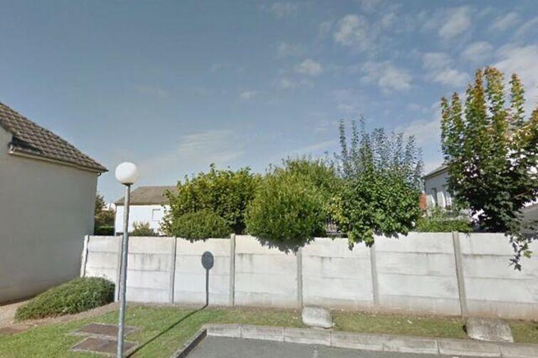 location parking École primaire publique Olympia Cormier - Georges Bernanos - Orléans