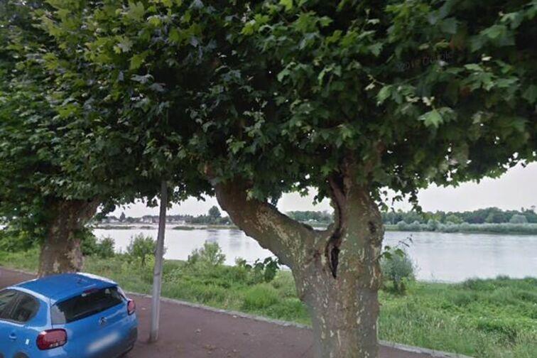 Parking Lycee St Francois de Sales - Lestrade - Gien 24/24 7/7