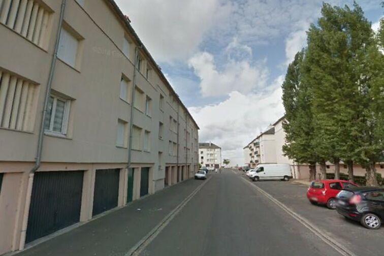 location parking Avenue du Chemin de Fer - 1 résidence des Prés - Sully-sur-Loire